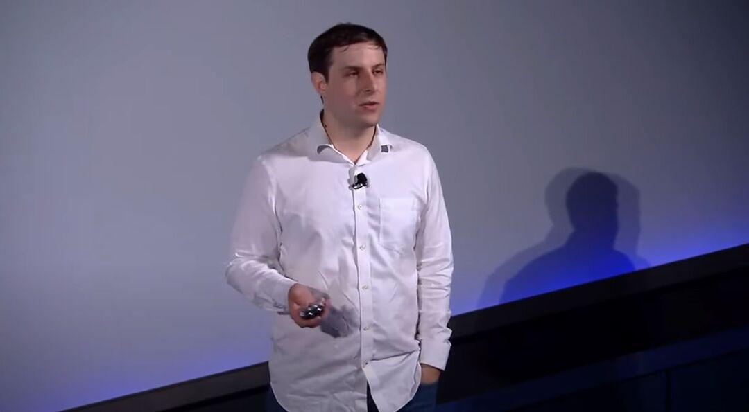 Соратник Маска покинул компанию, научившую обезьяну играть в видеоигры
