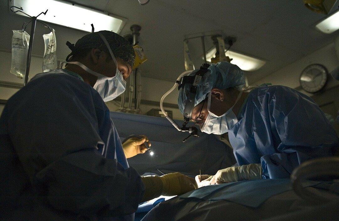Российским врачам захотели платить по-новому