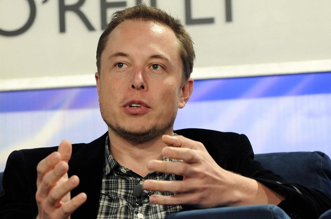 Илон Маск посоветовал подписчикам отказаться от Facebook и WhatsApp и перейти на другие платформы