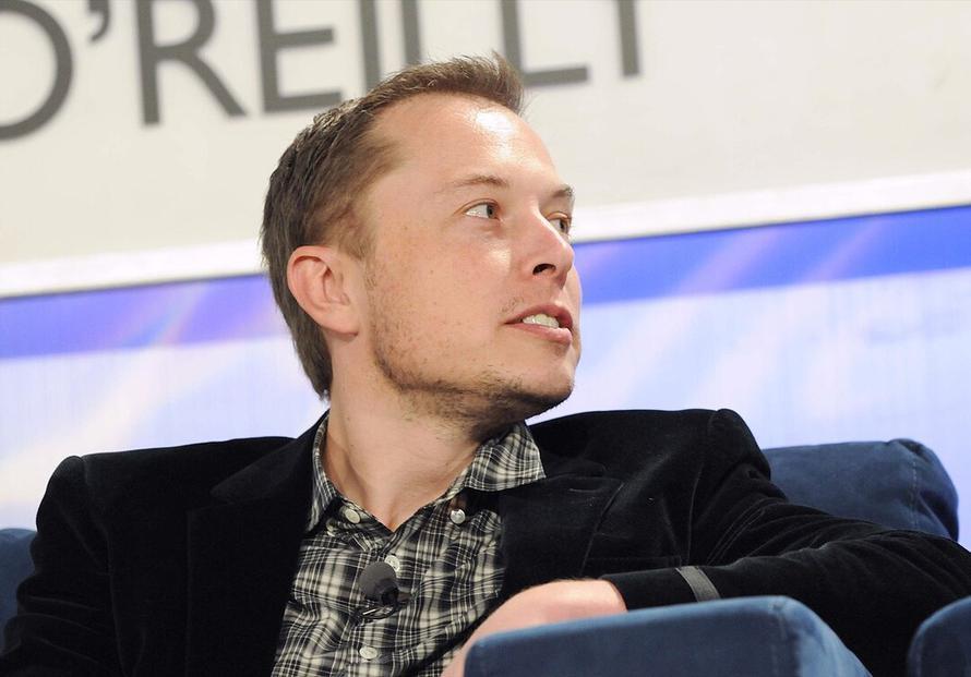 Малоизвестная компания озолотилась благодаря совету Илона Маска. Всё из-за путаницы в названиях