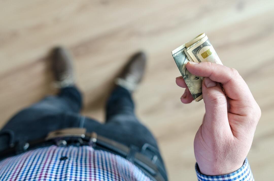В России заработали новые налоги для обладателей миллионов рублей
