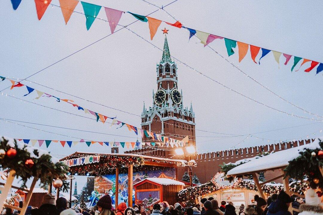 Россияне на фоне пандемии резко увеличили траты на развлечения в Новый год