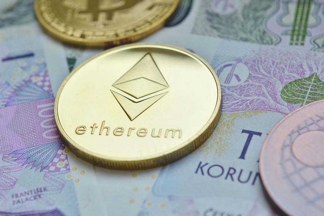 Криптовалюте Ethereum предсказали рост до $2 тыс. благодаря Reddit
