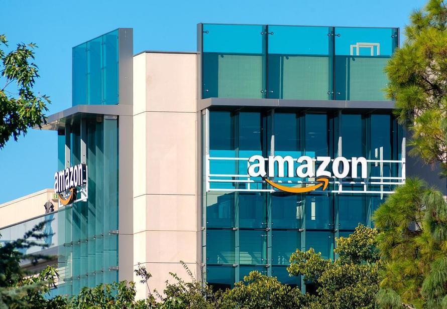 Amazon выплатит водителям $61 млн чаевых. Это долг за два года