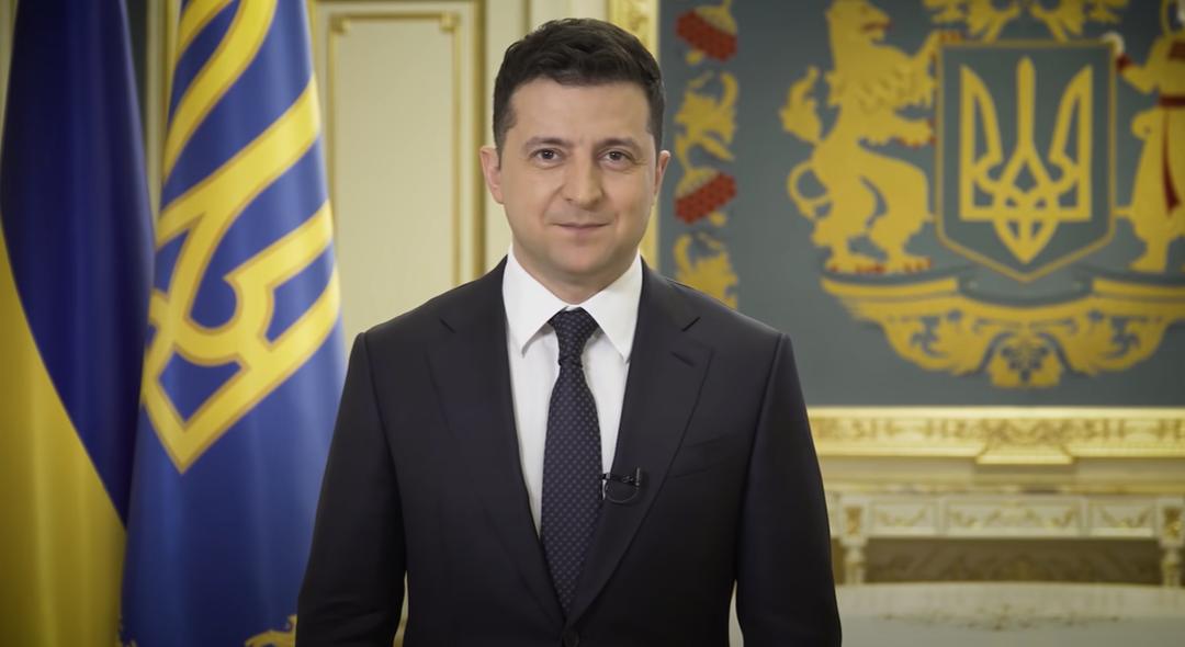 Зеленский пообещал наказывать украинцев за бизнес в Крыму и Донбассе