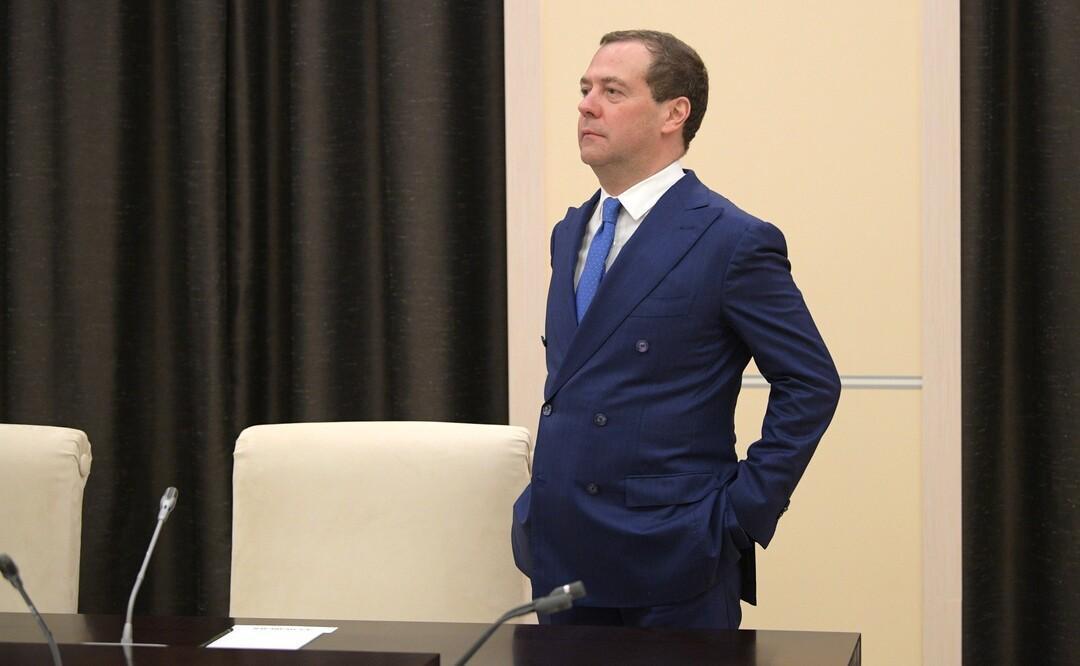 «Если у кого-то совсем снесёт голову». Медведев оценил будущее России без глобального интернета