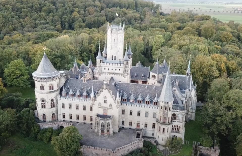 Сын немецкого принца втайне от отца продал фамильный замок за €1