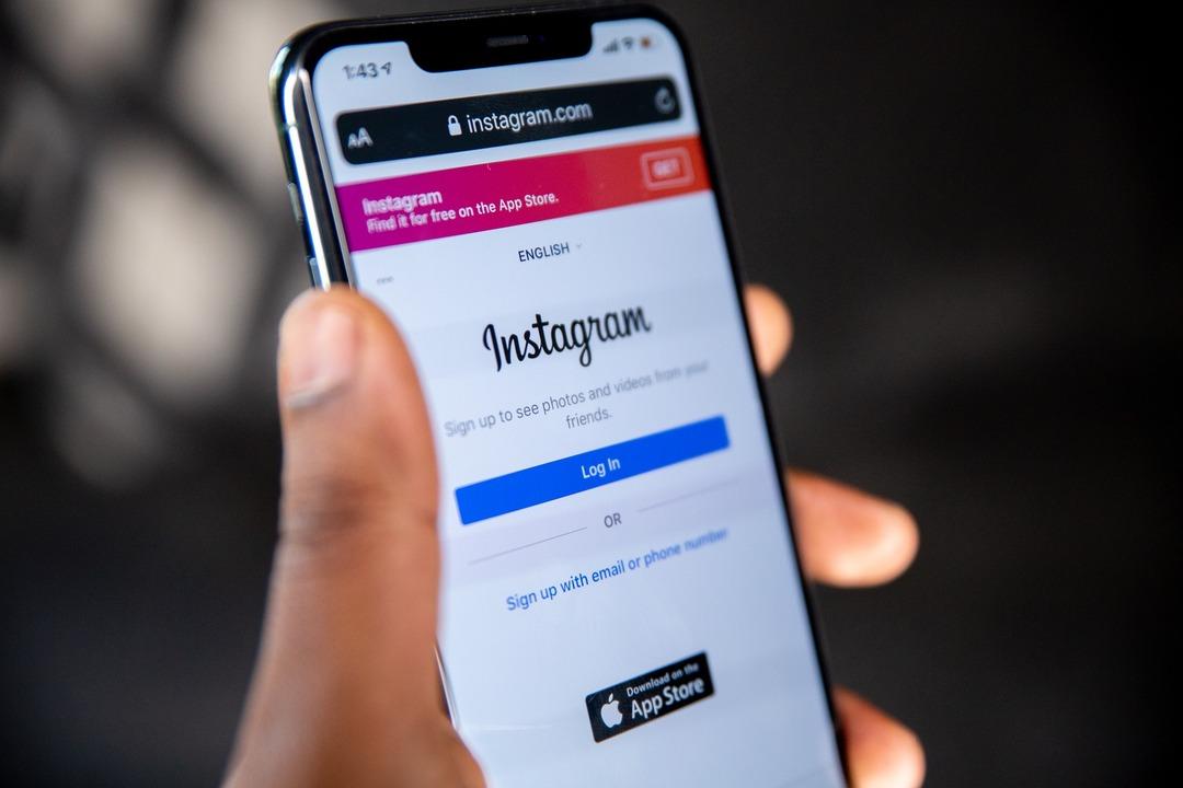 Instagram начал расследование после массовых жалоб россиян на попытки взлома