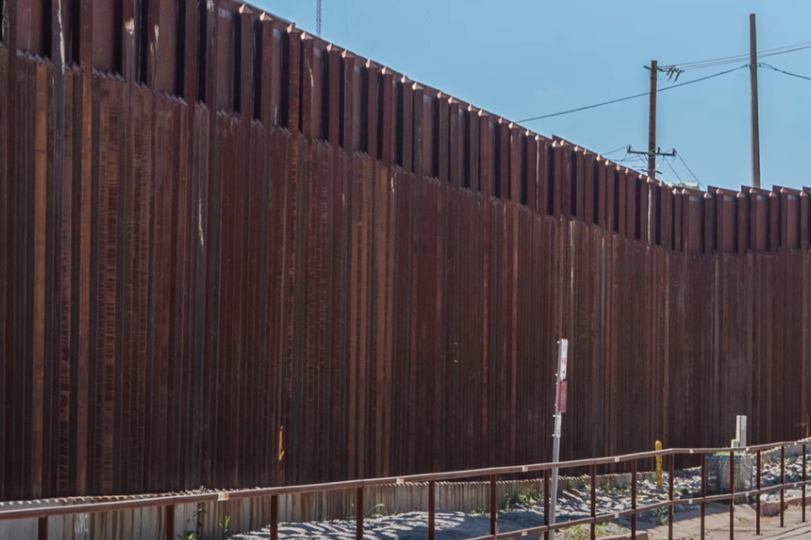 Байден остановил финансирование строительства «стены Трампа». На неё уже потратили $6 млрд