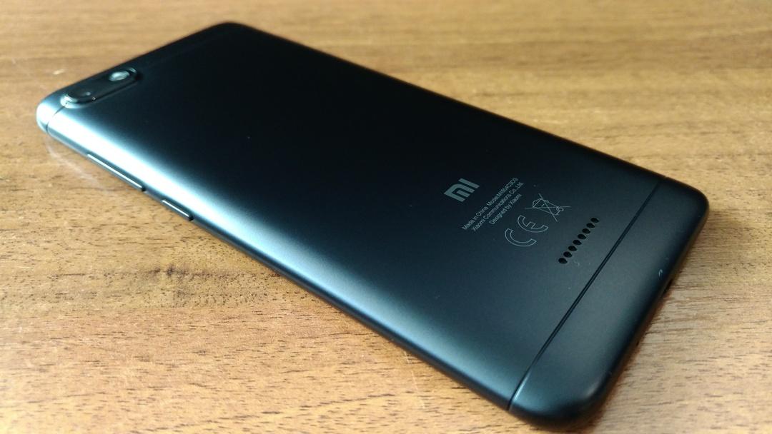 Поставки китайских смартфонов в Россию могут рухнуть из-за санкций США