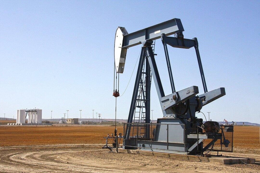 Аномальные холода обвалили добычу нефти в России