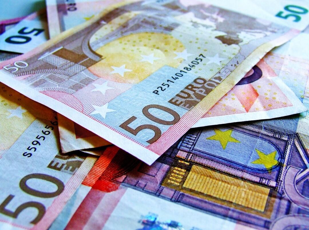 Россияне сняли с валютных счетов $28 млрд в ожидании «чёрного дня»