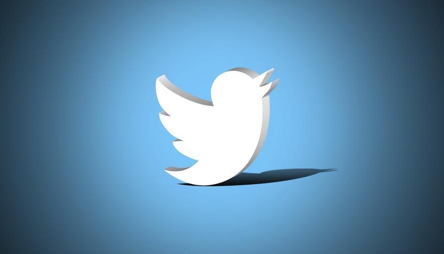 Под угрозой блокировки Twitter стал проверять жалобы на старые шутки