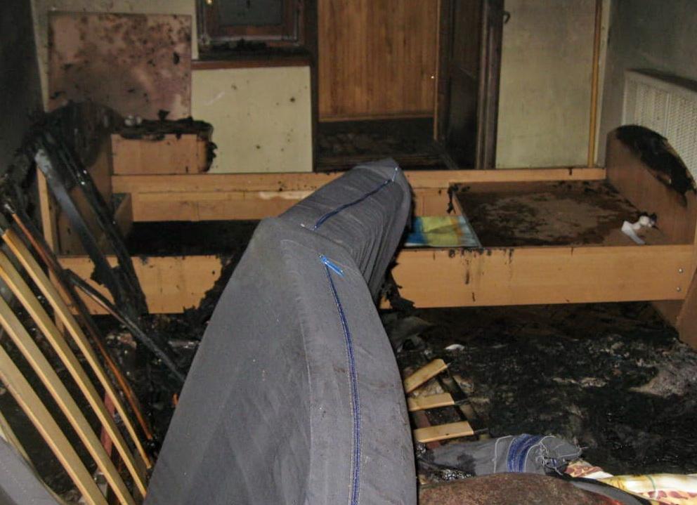 Стали известны подробности возгорания квартиры в Смоленске