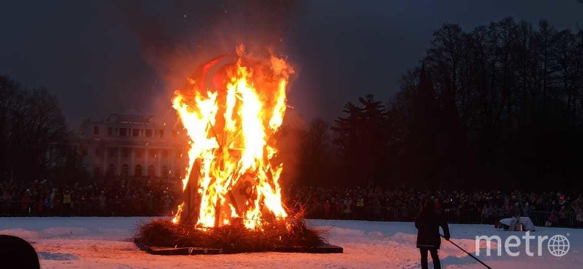 Горожане проводили зиму: как в Петербурге отметили Масленицу
