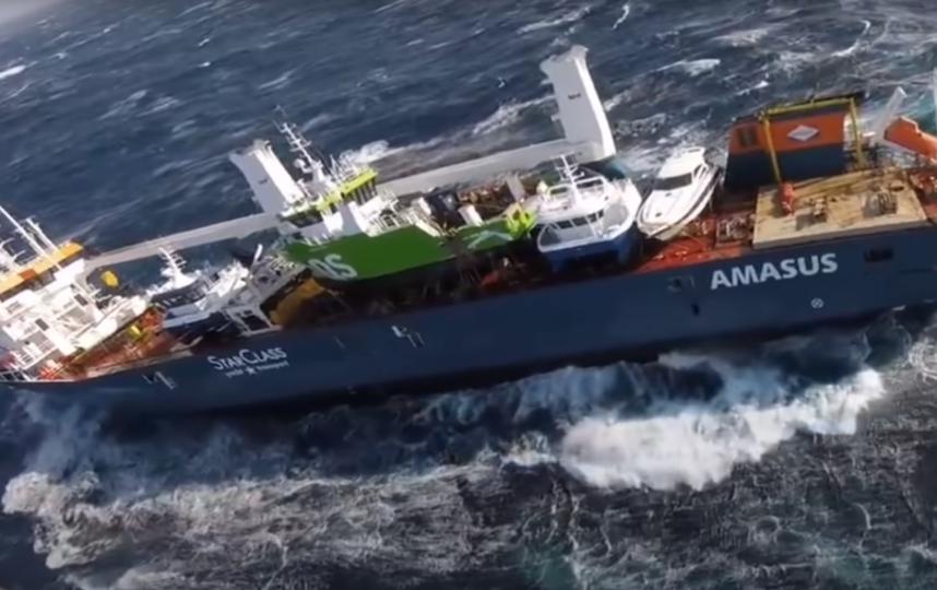 Нидерландский танкер потерял ход у берегов Норвегии: сколько тонн нефти находится на борту