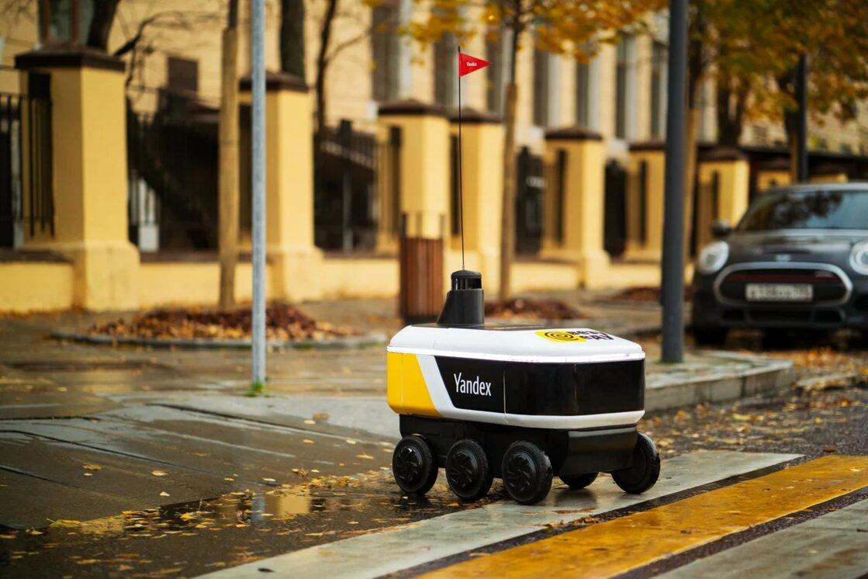 Роботы-беспилотники «Яндекса» начали доставлять заказы из ресторанов в Москве и Иннополисе