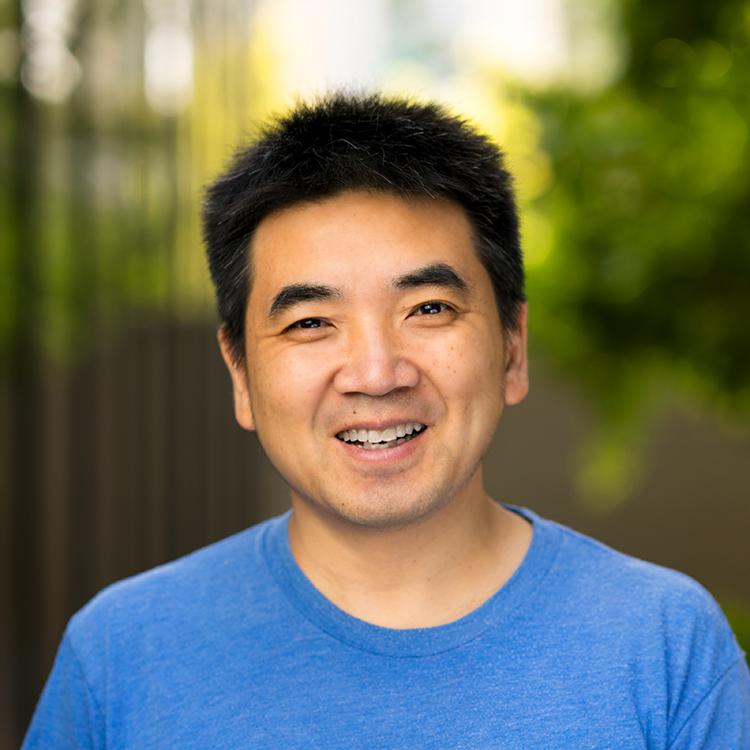 Глава Zoom Эрик Юань каждый день задает себе один вопрос. Он помогает ему решать проблемы и добиваться успеха