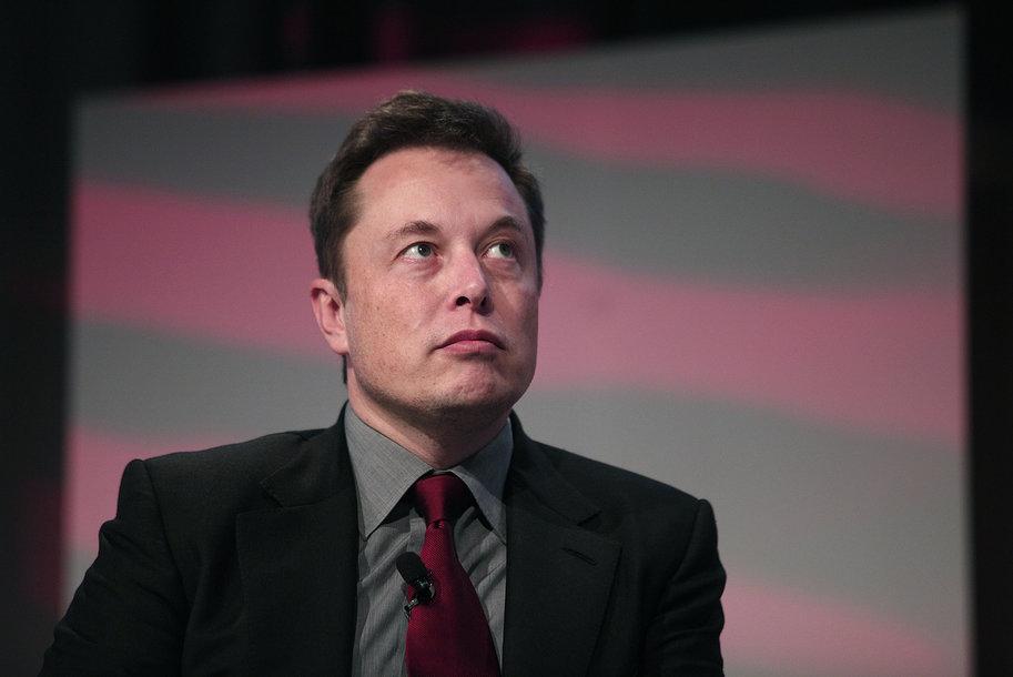Илон Маск поинтересовался, возможно ли проводить крупные транзакции Tesla в биткоинах