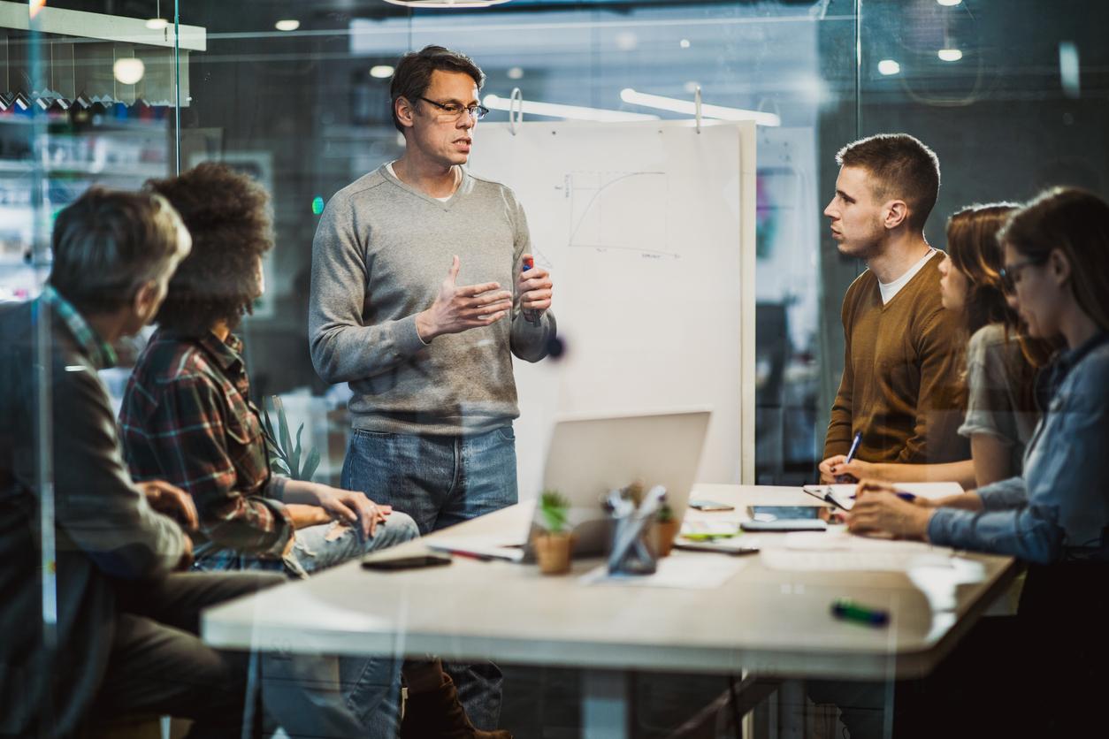 Руководители тоже люди: когда сотрудники показывают, что ценят их, они работают и чувствуют себя лучше
