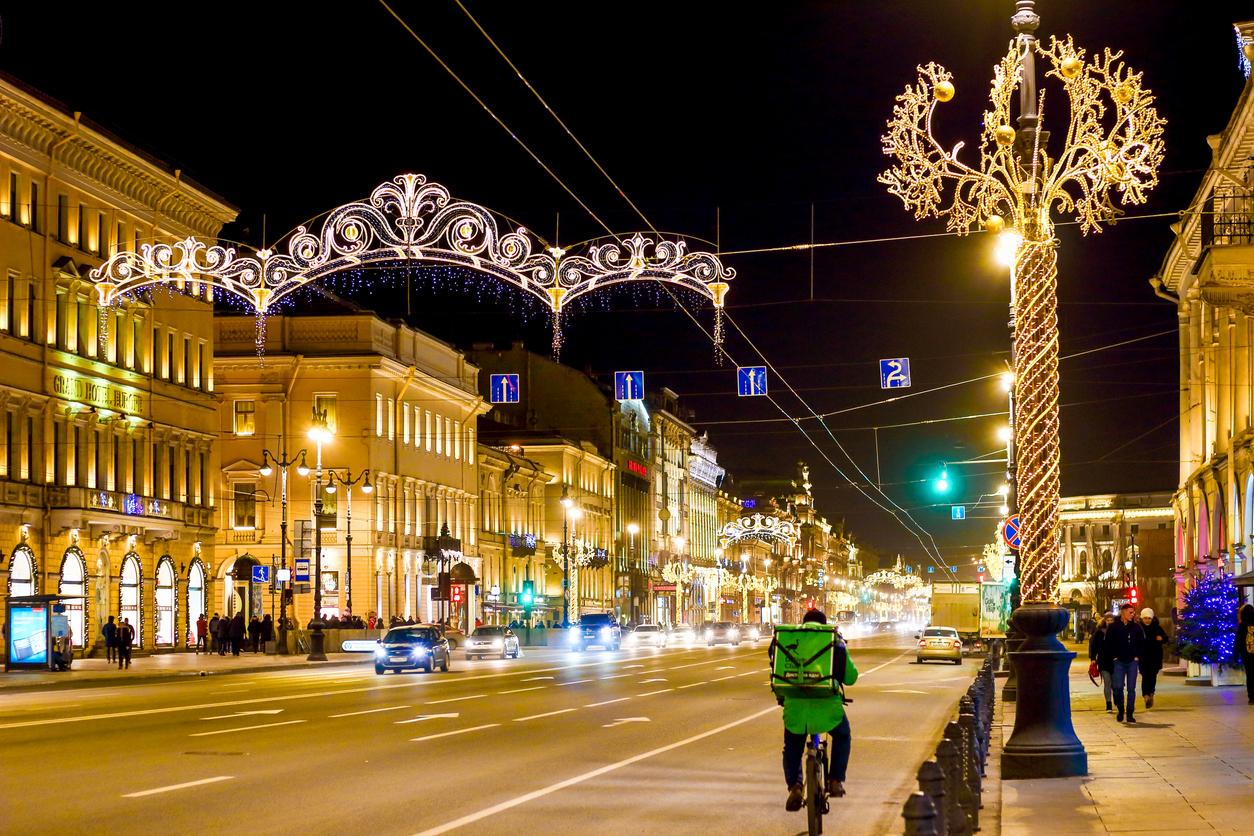 В Петербурге ресторанам разрешили открыть зимние террасы в праздники