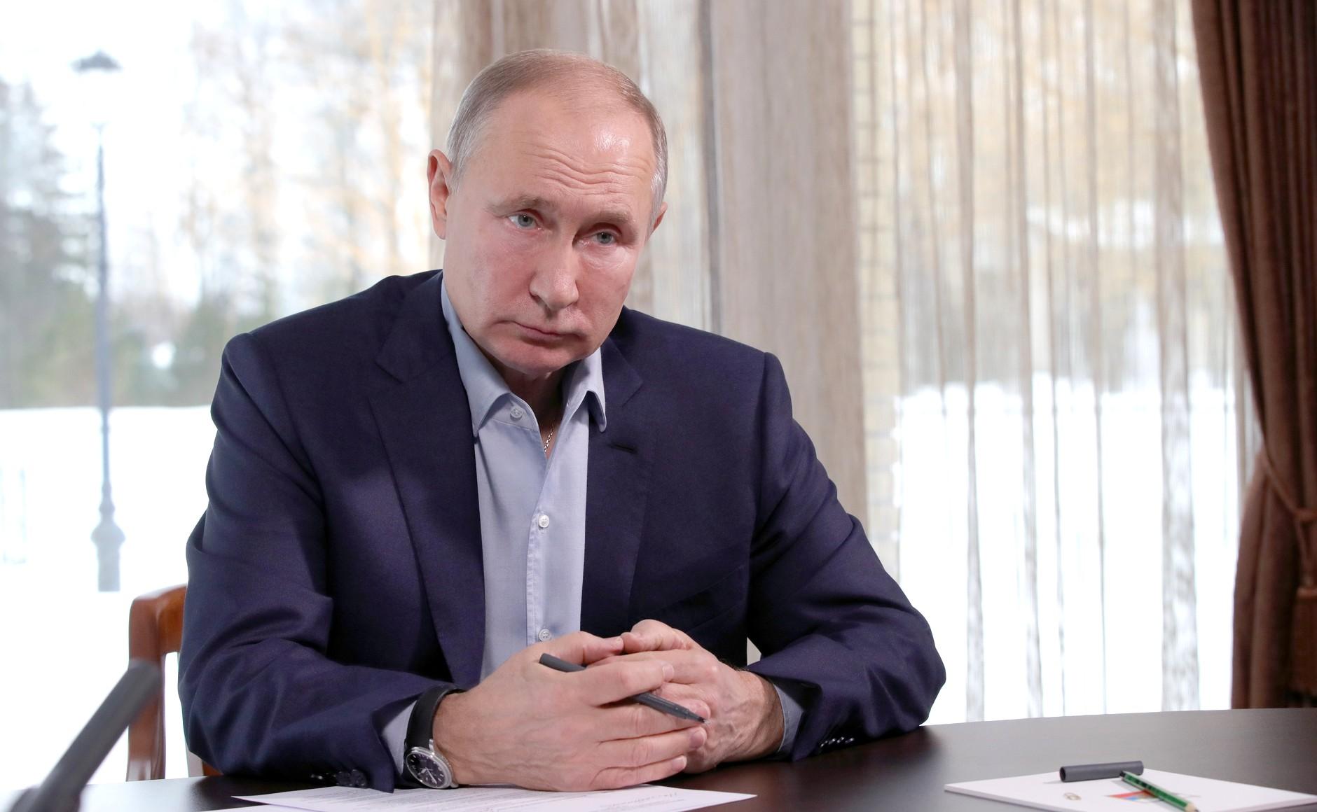 Акции «Абрау Дюрсо» выросли на 10%. Путин упомянул ее, отвечая на вопрос о дворце из расследования Навального