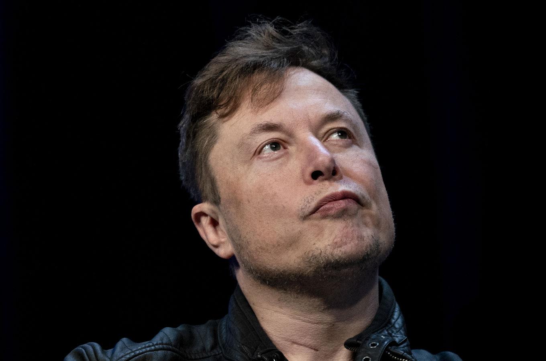 Илон Маск высмеял Facebook и посоветовал пользоваться мессенджером Signal