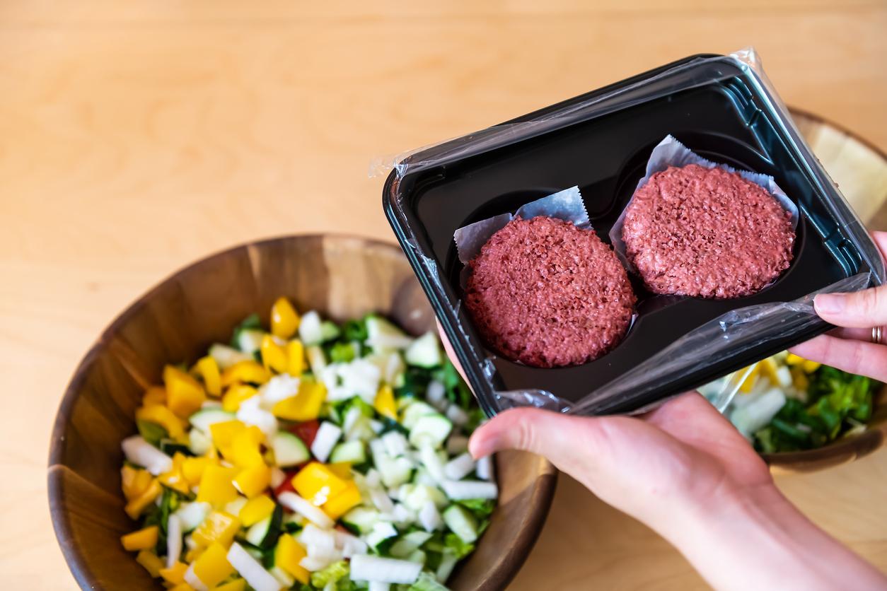 Deloitte: рынок альтернативного мяса в России в 2020 году составил 2,6 млрд рублей