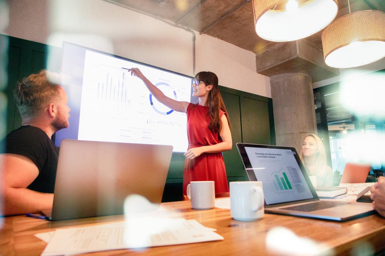 Финансовая прозрачность компании улучшает отношения между сотрудниками и делает их счастливее
