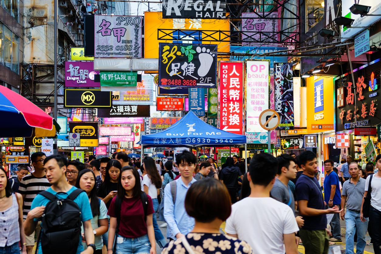 В Китае начали раздавать деньги, интернет и книги, чтобы люди оставались дома на новогодние праздники