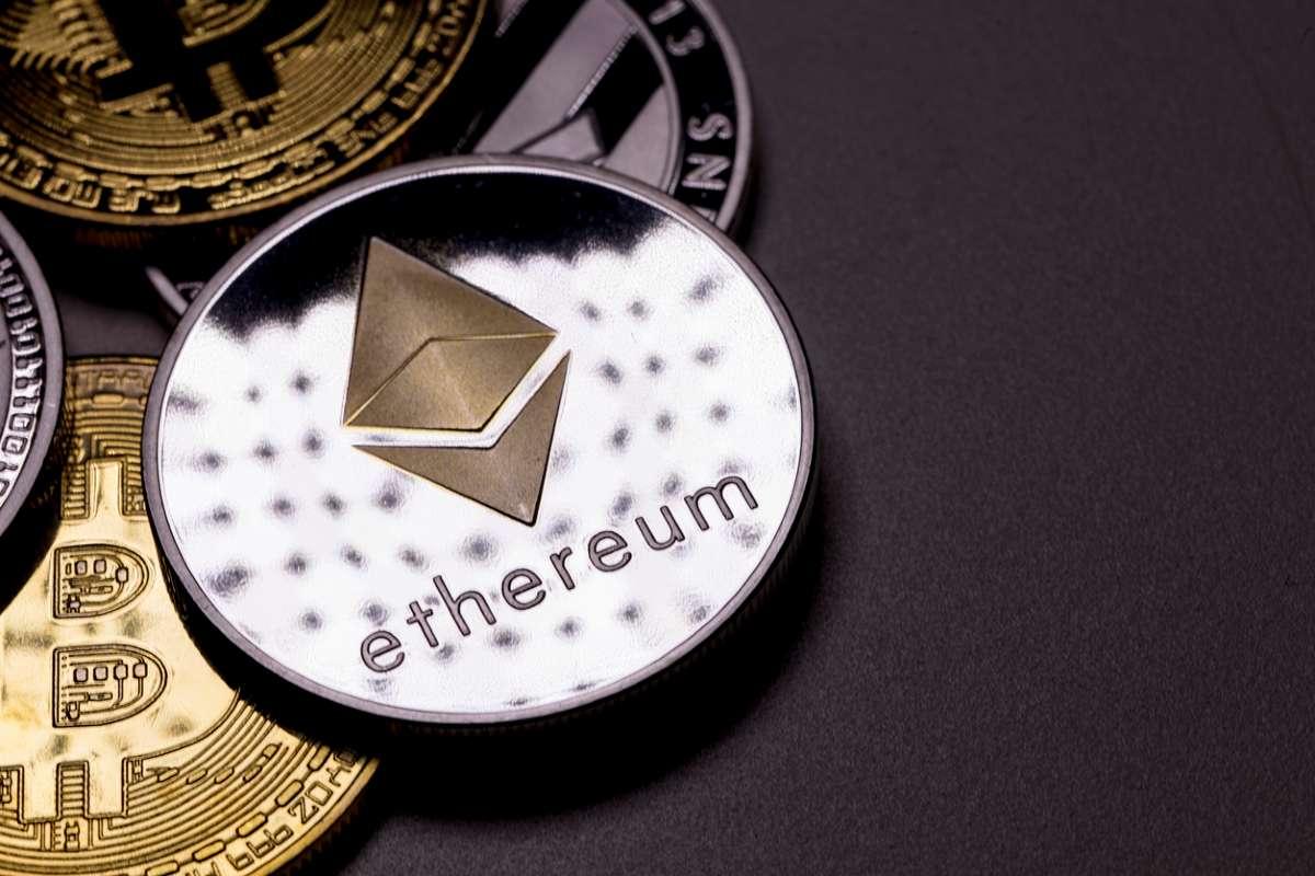 Стоимость Ethereum превысила $1,1 тыс. За сутки криптовалюта подорожала на 58%