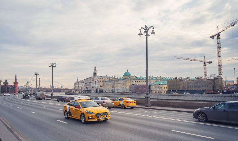 ФАС проверит сделку «Яндекс.Такси» и «Везёт»