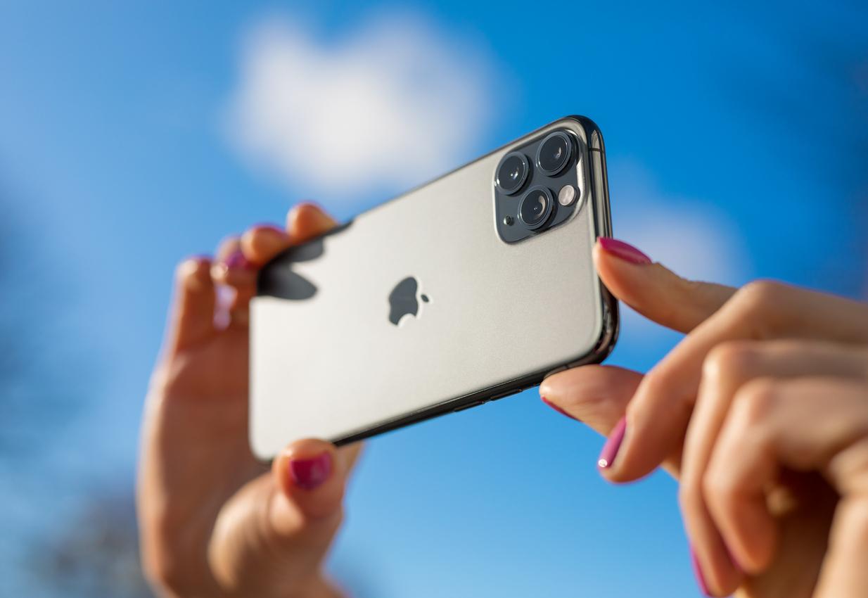 Крупнейший сборщик iPhone Foxconn решил заняться производством электромобилей