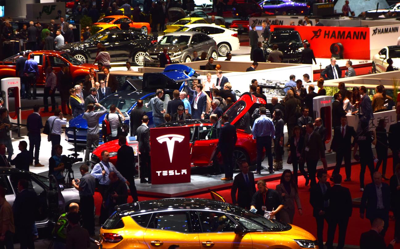 Tesla купила биткоинов на $1,5 млрд и планирует начать принимать их к оплате
