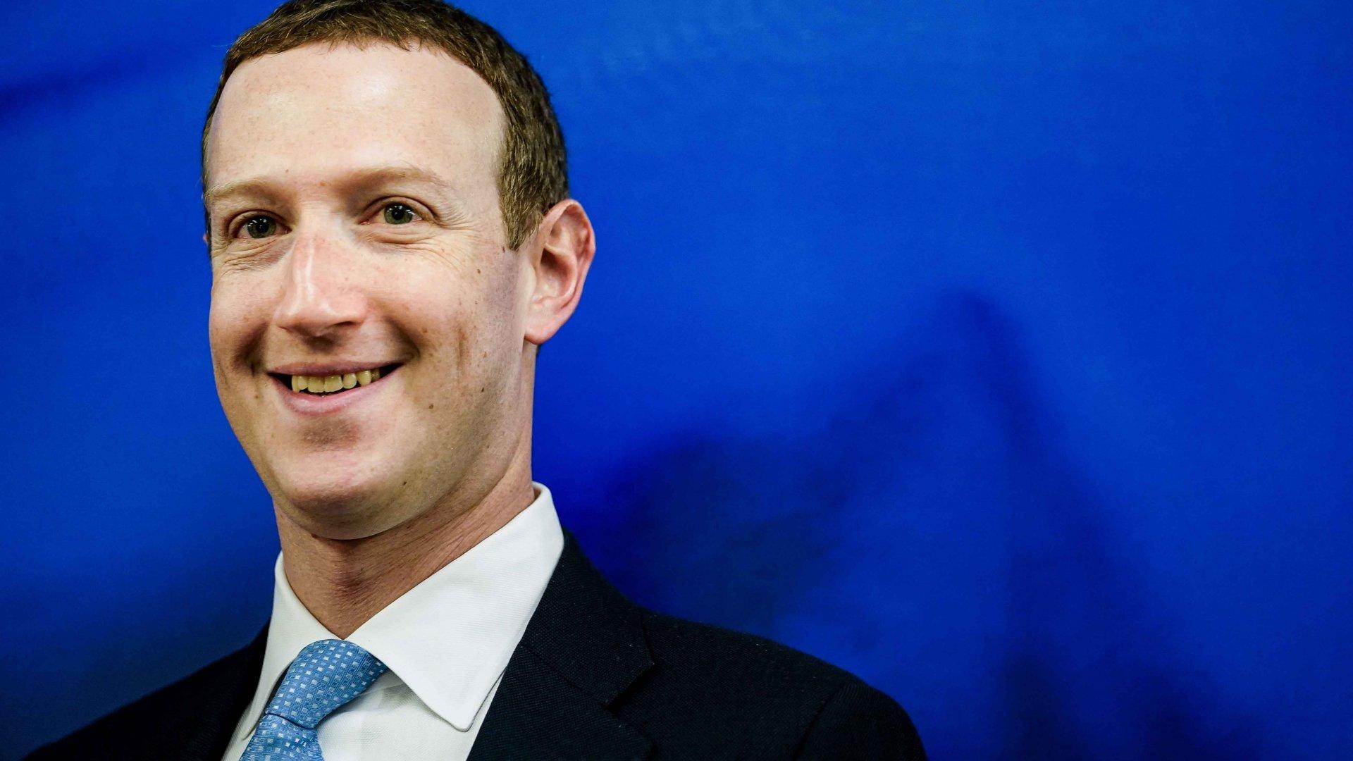 Цукерберг пообещал реалистичные цифровые аватары в Facebook. Их будут делать с помощью VR-гарнитур