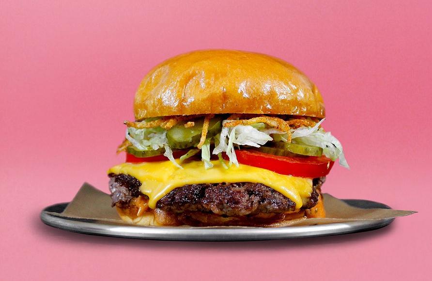 Бургерная в Торонто назвала блюда в честь офисных принадлежностей, чтобы гости могли поесть за счёт работодателя