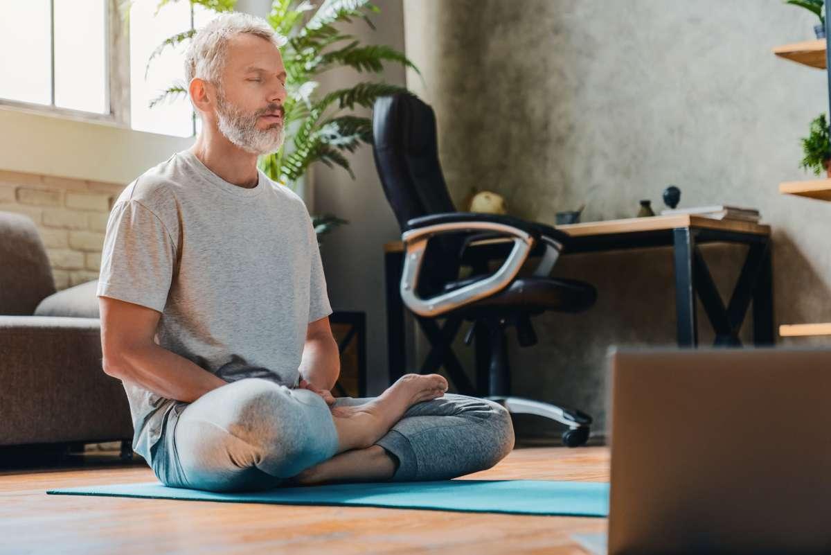 Короткие медитации эффективны в снижении тревоги и стресса, показало исследование