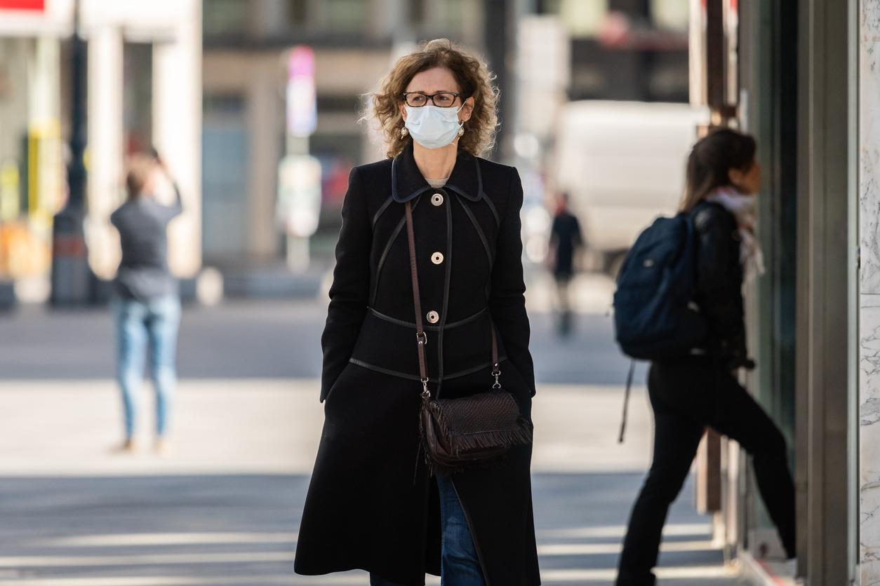 В Австрии запретят посещать магазины без отрицательного теста на коронавирус