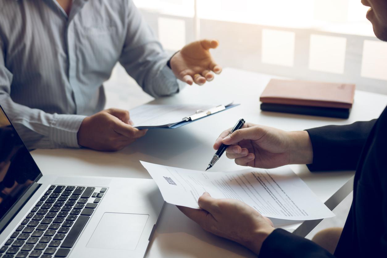 В России вырос спрос на услуги юристов и бухгалтеров на аутсорсе