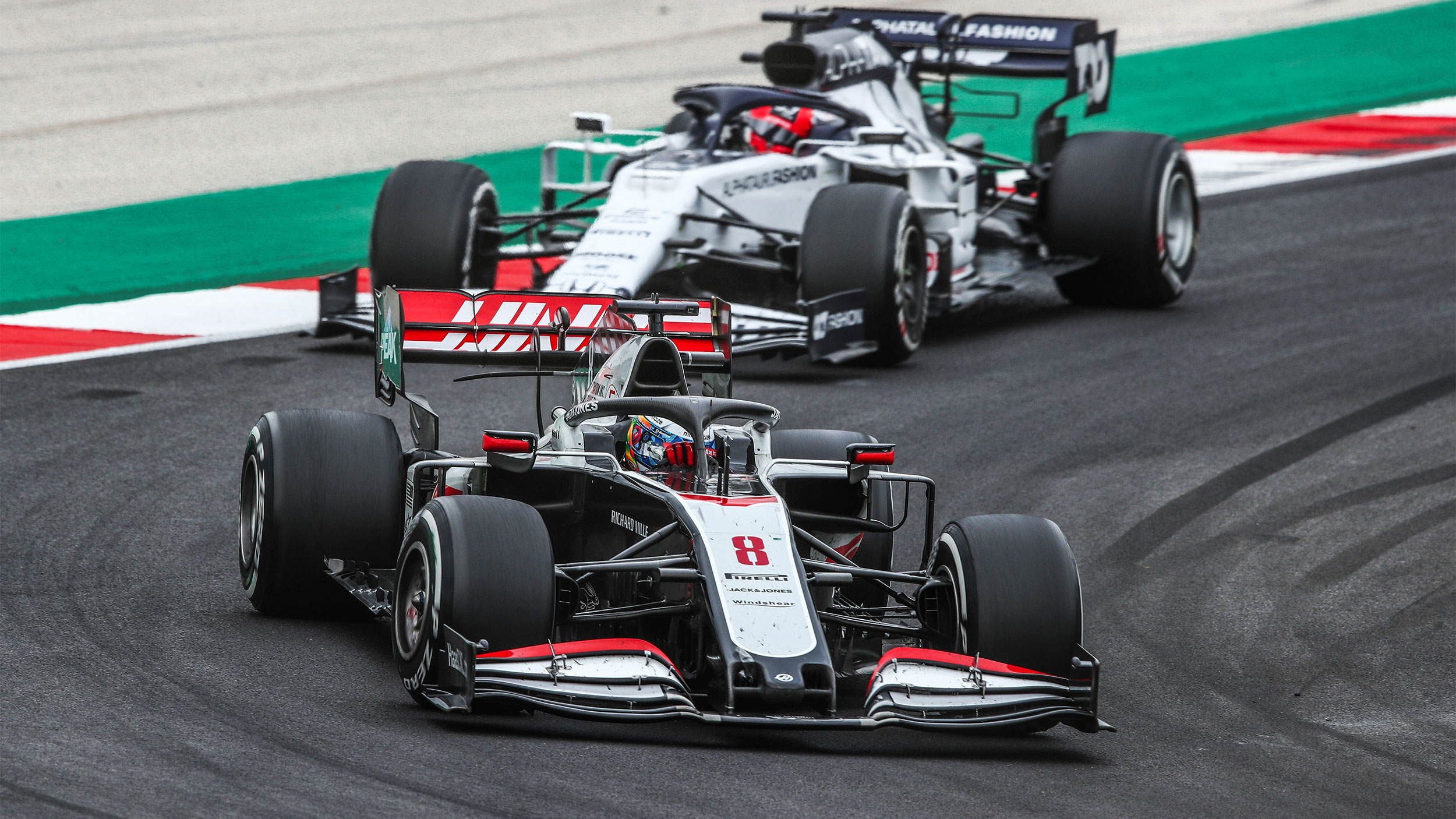 Большие деньги и высокие технологии. Как защищены гонщики 'Формулы-1'