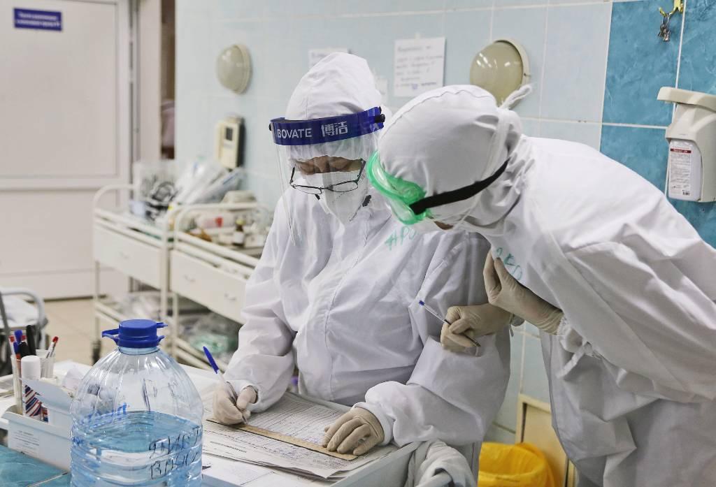 Врач объяснил, с чем связан рост заболеваемости коронавирусом в России