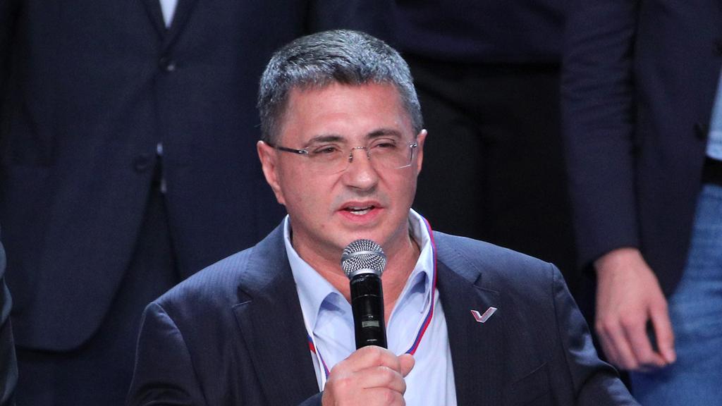 Мясников объяснил наезды западных СМИ на российские вакцины от коронавируса
