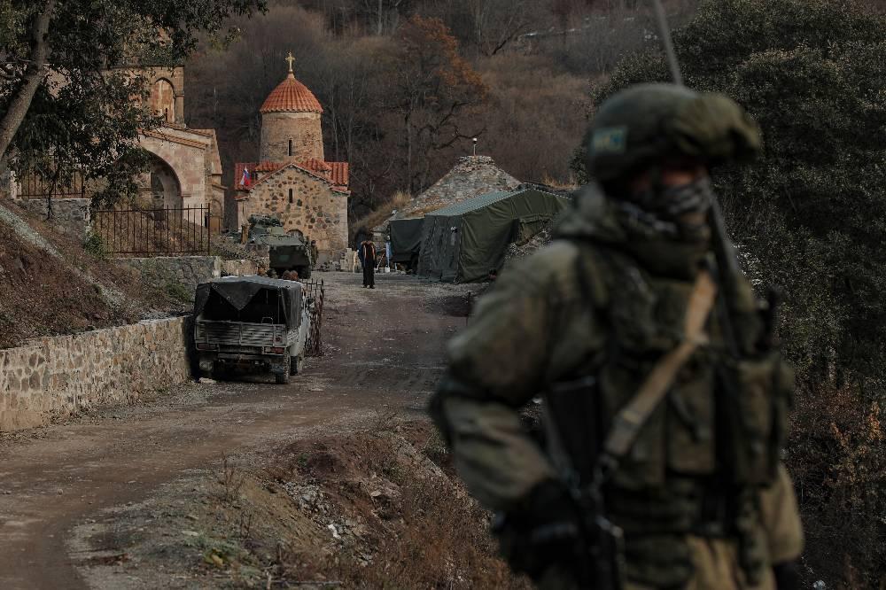 Армения и Азербайджан начали обмен пленными и заложниками