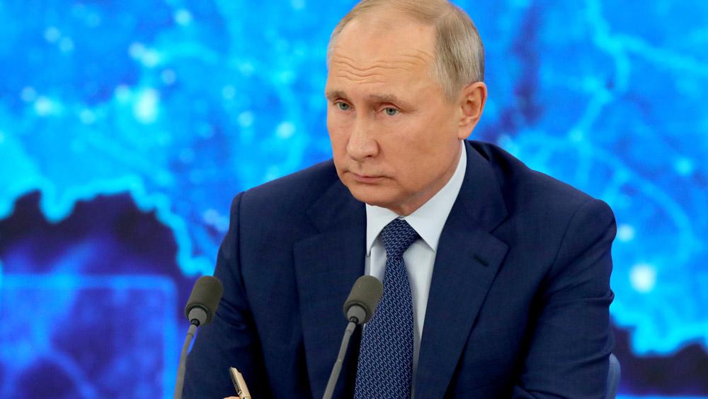 Владимир Путин пообещал новую реформу 'мусорного налога'