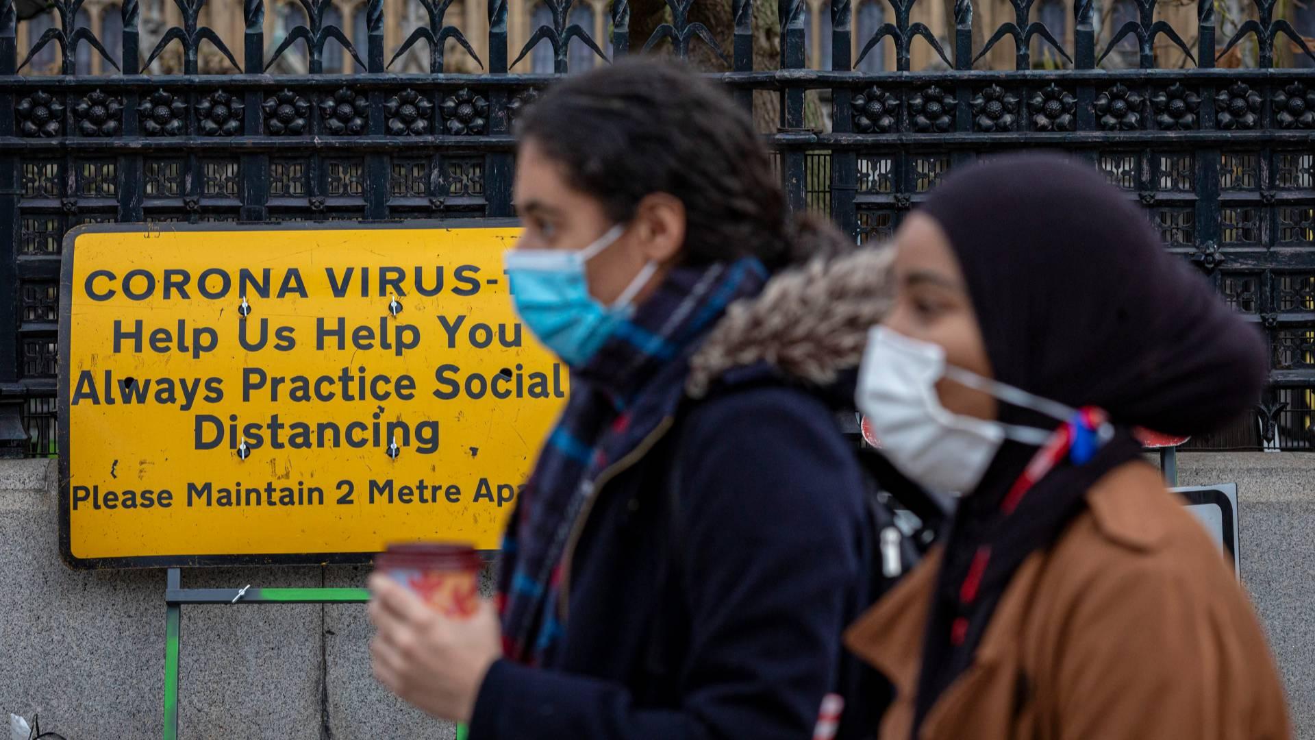 Новый коронавирус-мутант в Великобритании. Разрыв авиасообщения и другие меры