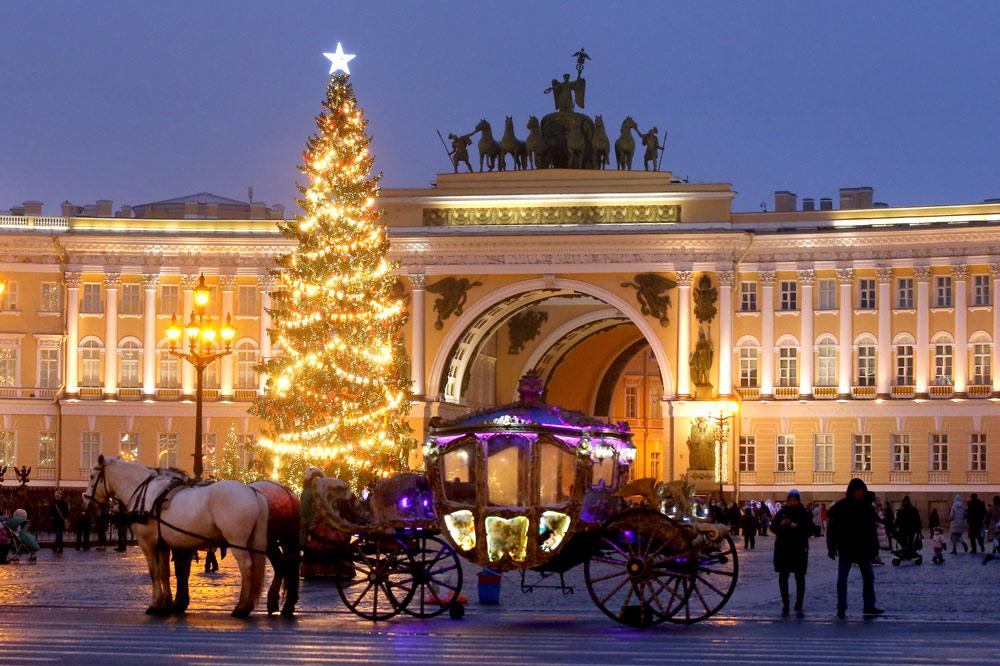 Петербург объявил 31 декабря выходным