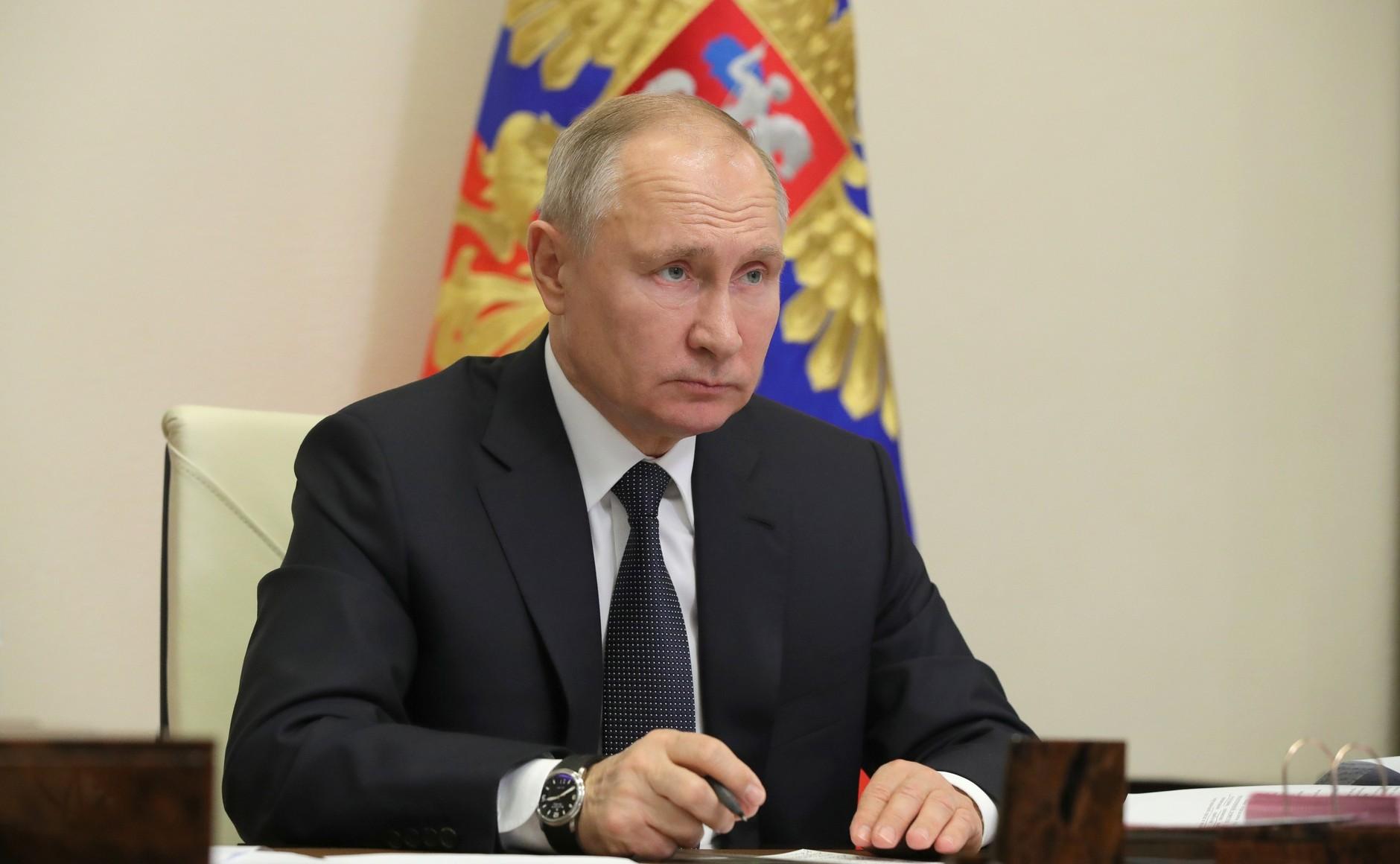 Путин призвал добиться перелома в ситуации с коронавирусом и восстановить экономику