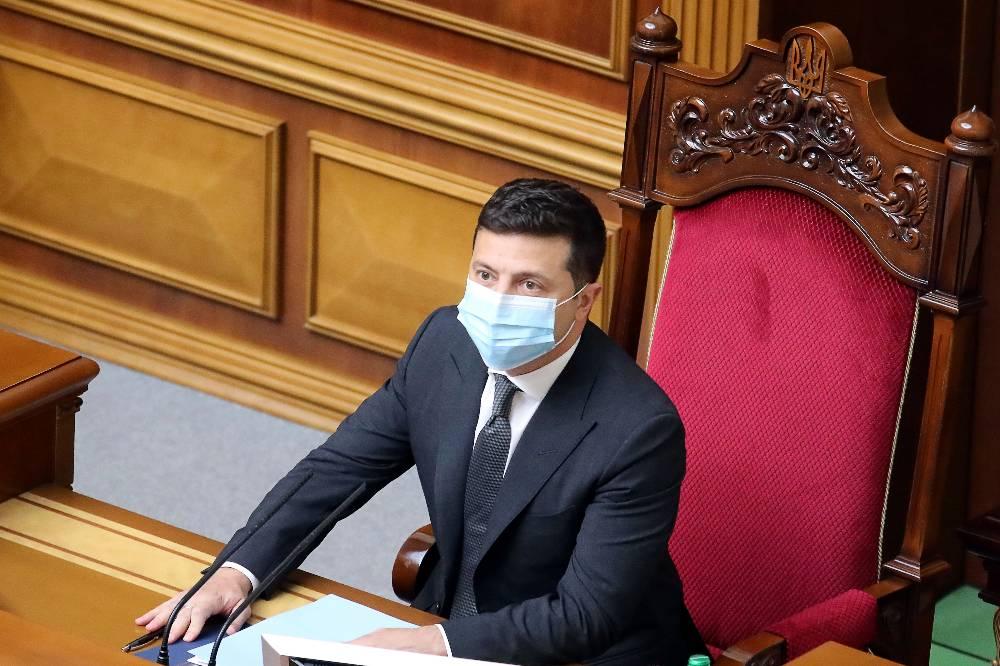 Конституционный суд Украины заявил о превышении полномочий Зеленским