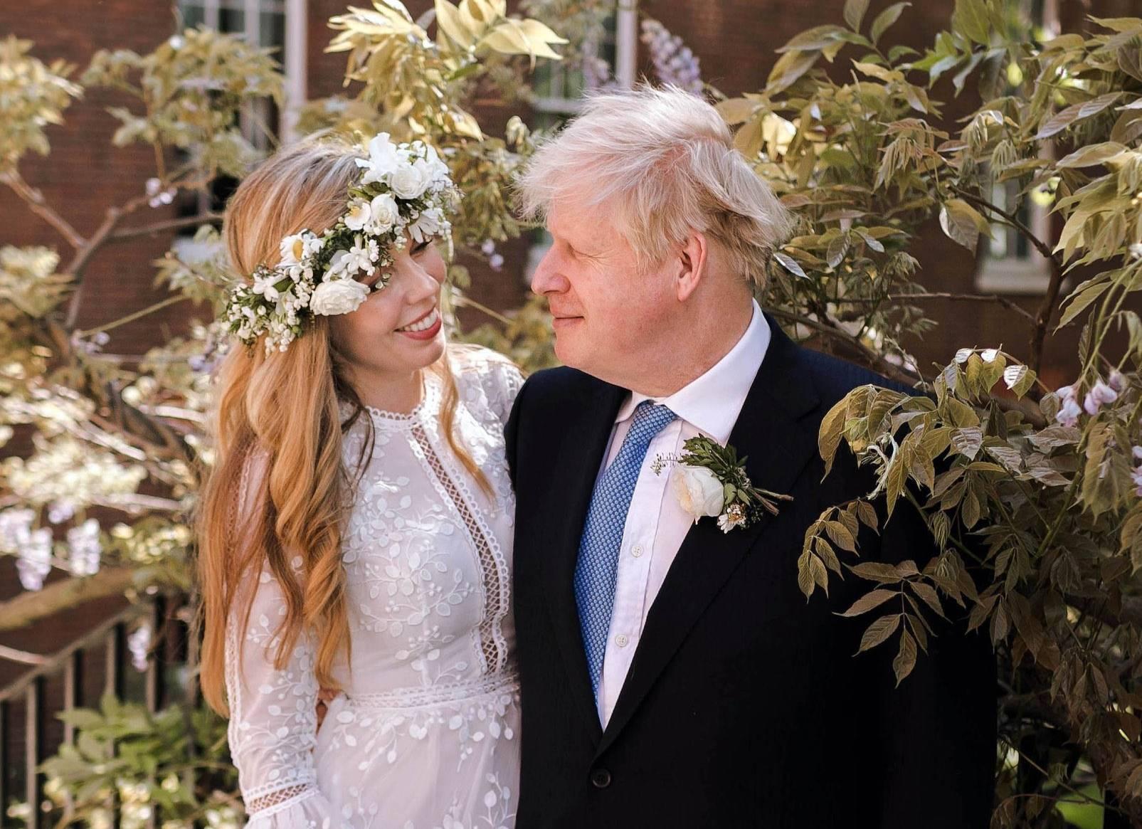 Что известно о красотке, которая тайно вышла замуж за Бориса Джонсона, несмотря на разницу в 25 лет