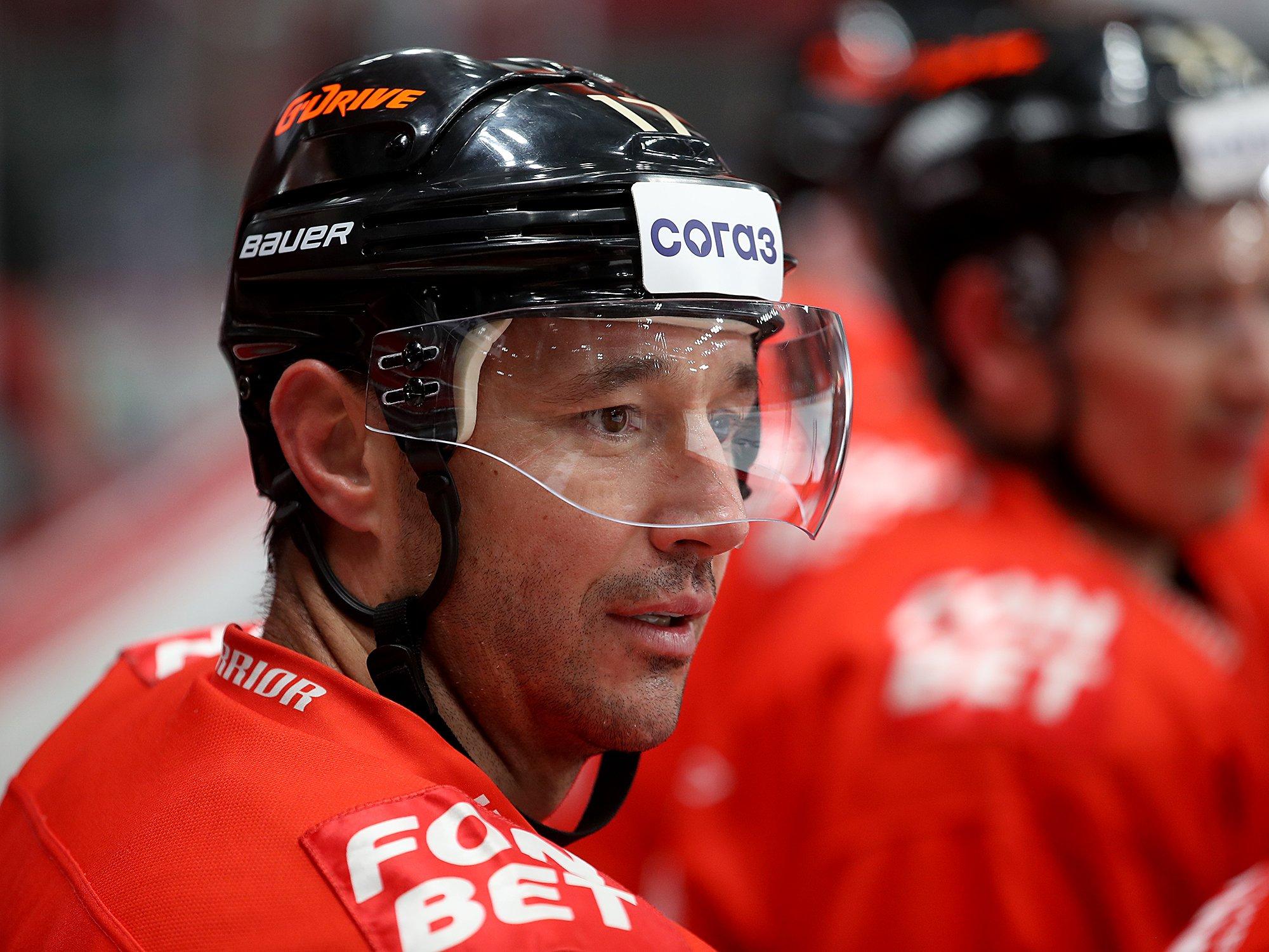 Даёт результат, но его всё равно критикуют. Зачем не востребованный в НХЛ Ковальчук вернулся в Россию
